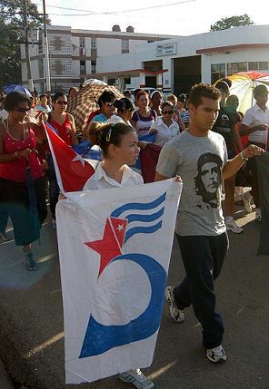 Cuba: Multitudinario acto en apoyo a Cinco Héroes