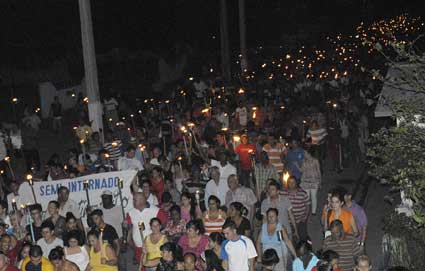Cuba: Multitudinario desfile martiano en Ciego de Ávila